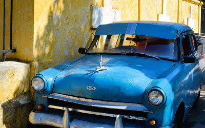 Blue-Car-in-Havana