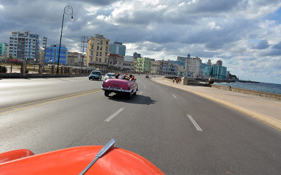 Cruising-the-Malecon
