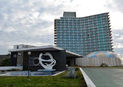 Riviera-Hotel-Entrance